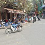 ベトナム・ハノイでヒマワリの種を・・・!